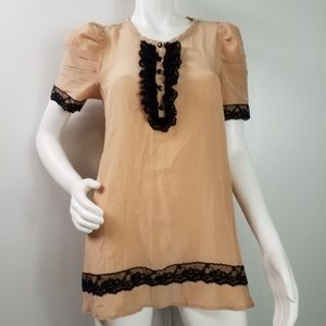Twelve by Twelve Top Sz M Lace Buttons Poof Sleeve
